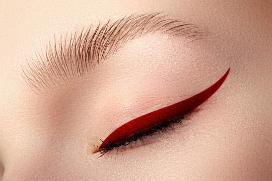 Wear Coloured Eyeliner Without Looking Like a Clown